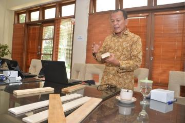 IPB Professor: Converted Timber of Inferior Quality to Have Competitive Advantage Products