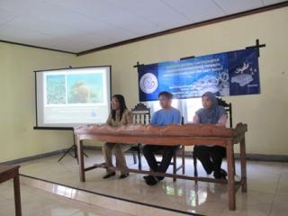 IPB's Experts Teach Coral Transplantation in Banda and Kapoposang Monday, December 22, 2014
