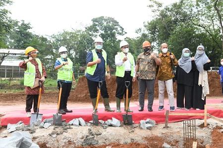 IPB University dan Charoen Pokphand Indonesia Letakkan Batu Pertama Pembangunan Teaching Farm Closed House Unggas