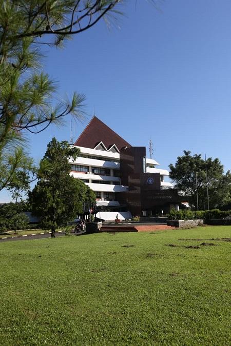 IPB University Rises 511+ World Ranking QS 2022 Version