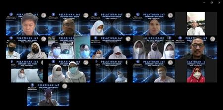 Keseruan Siswa SMAN 9 Bogor Ikuti Pelatihan IoT Departemen Fisika IPB University