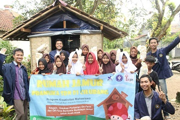 Students of IPB Created the Agricultural Miniature Education for Children through Edujam