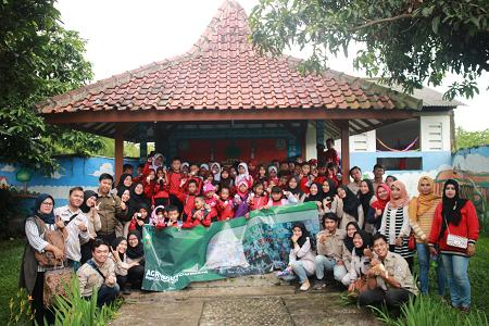 IPB University Students Introduce Livestock to Elementary Students Through Agroedutourism